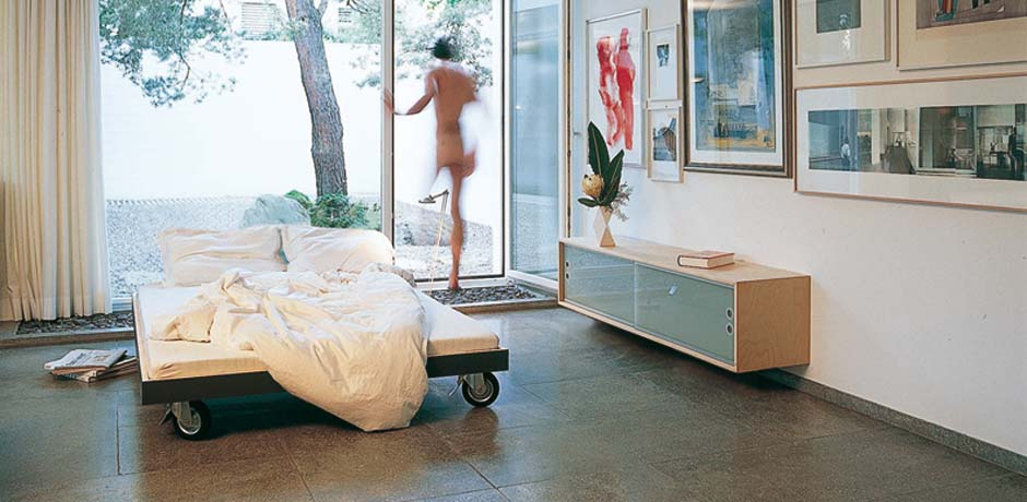 performa bed on wheels in summerly look performa m bel und design blog. Black Bedroom Furniture Sets. Home Design Ideas