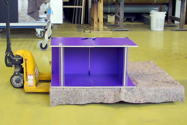 achtung es f hrt ein der stool performa m bel und design blog. Black Bedroom Furniture Sets. Home Design Ideas